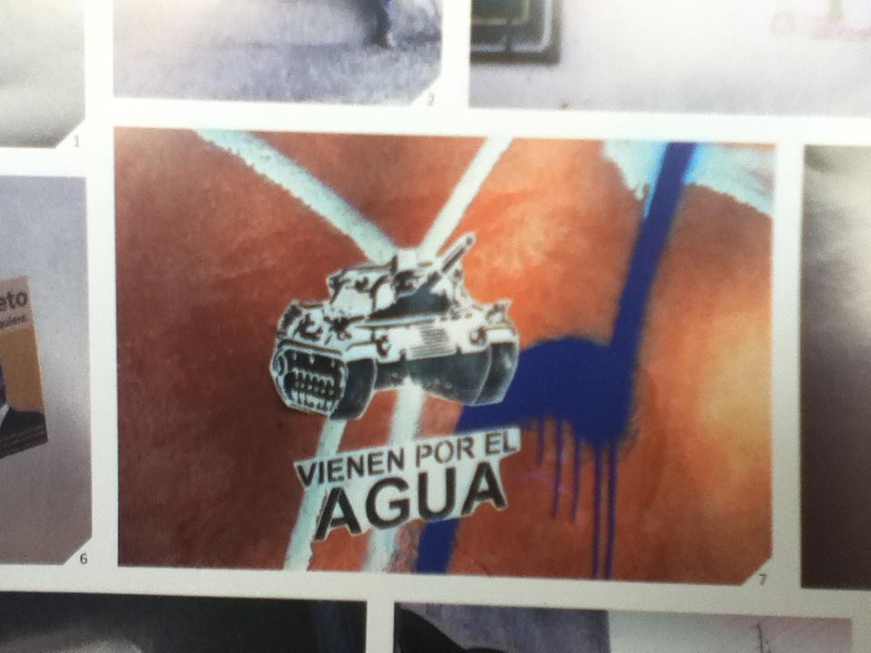 Vienenpor el agua, graffiti de Guadalajara