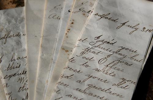 Letters, por liz west vía Flickr