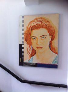 Afiche de La Mencha, en las escaleras para llegar a la biblioteca de la Cinemateca