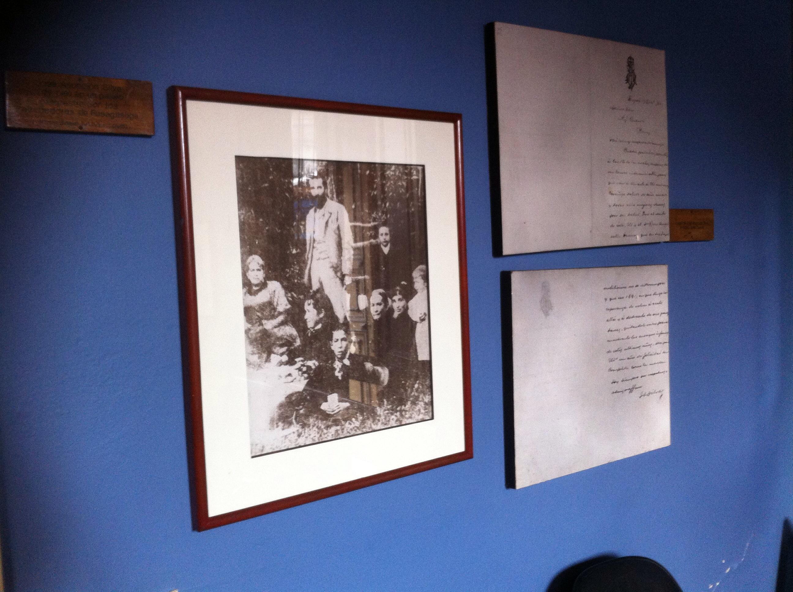 Fotografía en el auditorio de la Casa de Poesía Silva, de José Asunción Silva en Fusagasugá